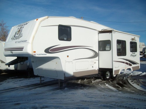 2005 Prowler Regal 285RLS