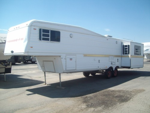 1984 Kountry Aire 32'